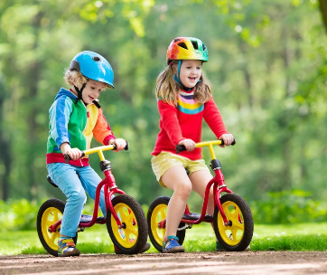 teaching-a-child-to-ride-a-balance-bike